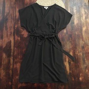 Bobeau black short sleeve dress